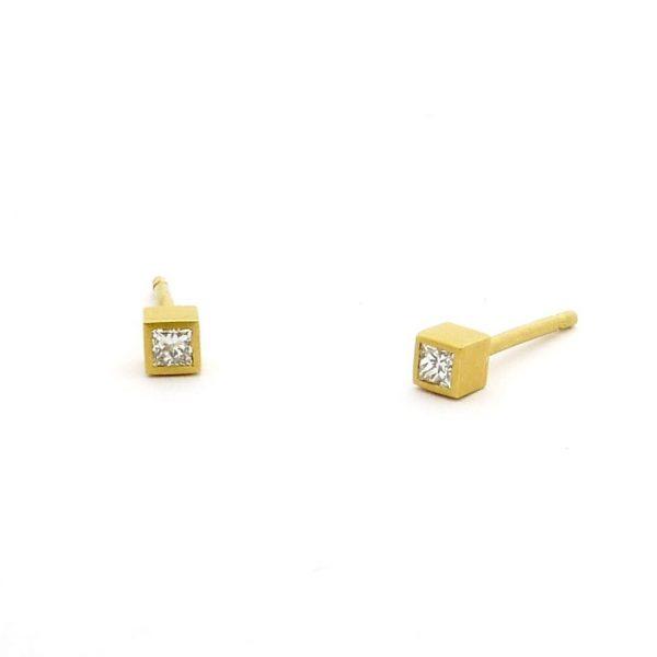 cubo - pendientes  Au 750 amarillo + diamantes princesa 0,15 ct. Tw-Vs
